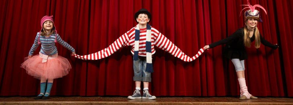 Resultado de imagen para niños en teatro