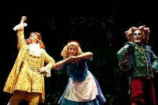 Alicia en el país de las maravillas: Teatro para niños en Madrid