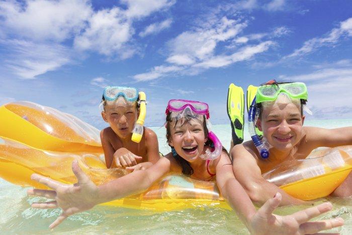 Playas para disfrutar de un verano inolvidable en Murcia con los niños