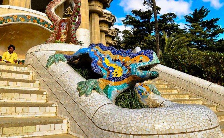 Park Güell: Color y fantasía en el corazón de Barcelona